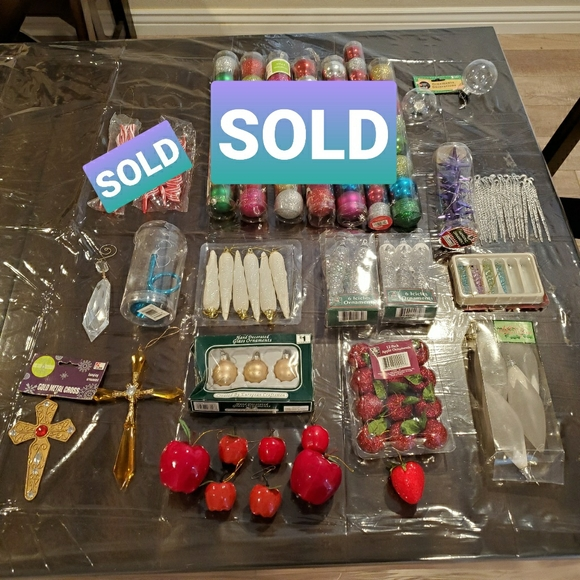 None Other - Box of 82 Christmas Ornaments